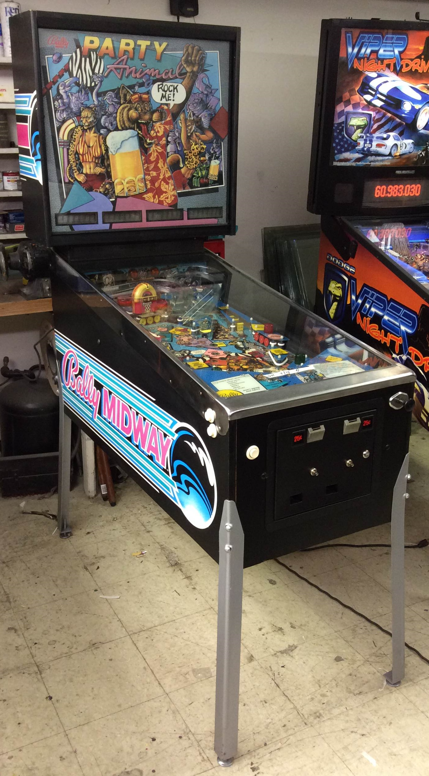 PARTY ANIMAL Pinball Machine Game for sale by BALLY LET S PARTY