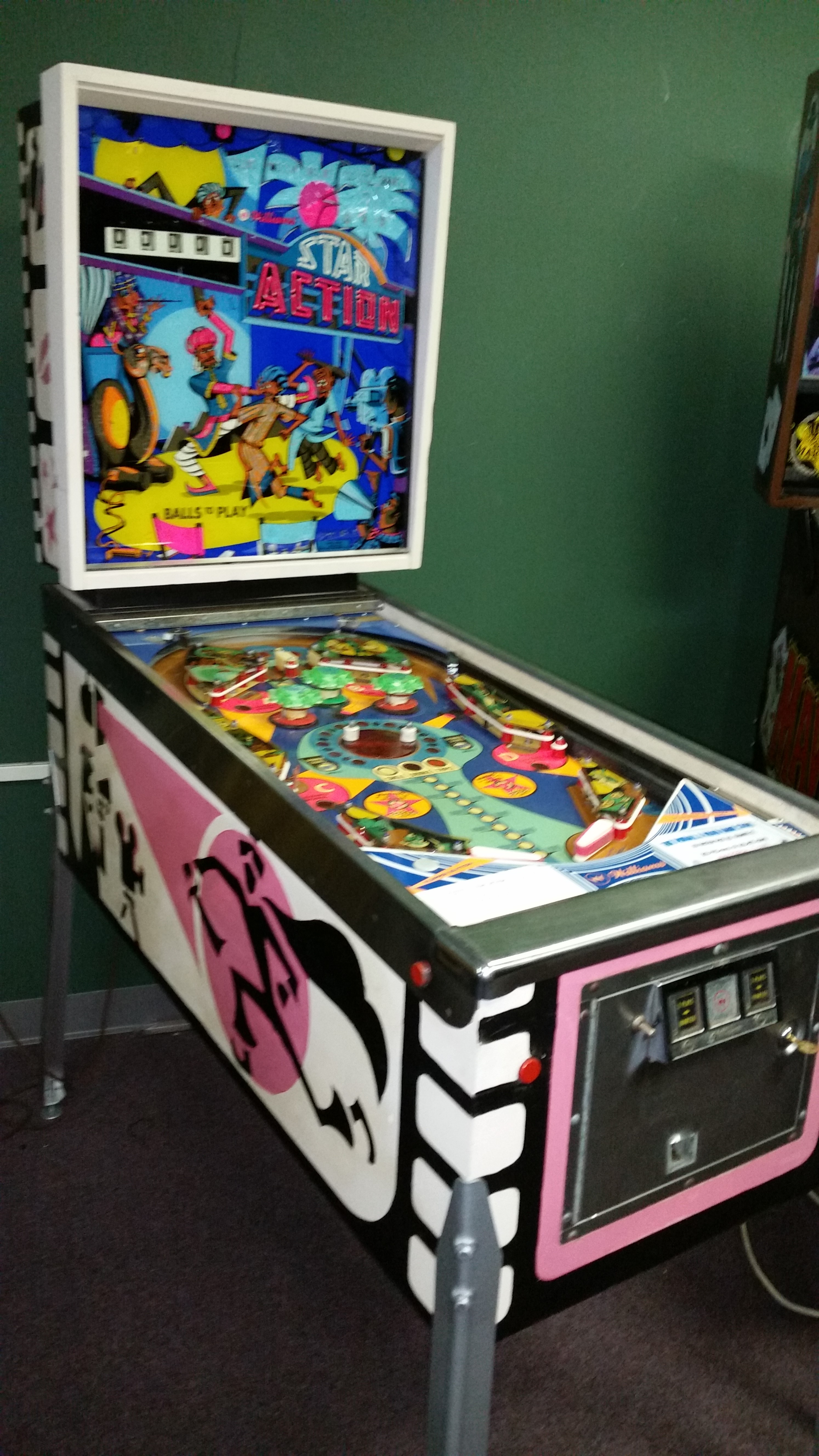 STAR ACTION Pinball Machine Game for sale by WILLIAMS FREE