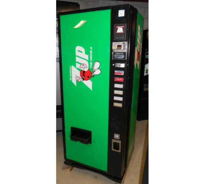 Dixie Narco DN 240/168M Can SODA Vending Machine